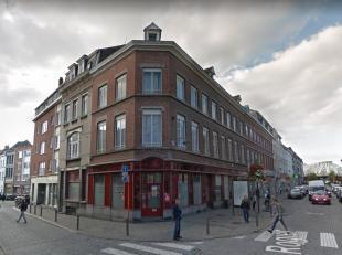 Rue Rogier 1+1B - 7000 MONS. 2 Cellules commerciales de +/- 50 et 85m² à 200m de la gare de Mons. 1B: 2 Belles pièces + sanitaires.