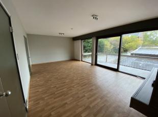 Mons rue P-J Duménil 7/1B Bel appartement ( +/- 100m²) centre ville proche des commerces et des universités, Situé au 1er &e