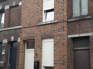 525euro/Mois jolie petite maison entièrement rénovée plein centre