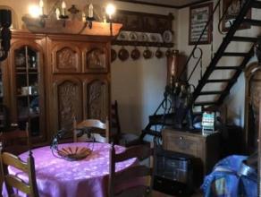 Petite maison située à Mons à rénover se composant comme suit : cuisine, salle de douche, salon, salle à manger. 1e