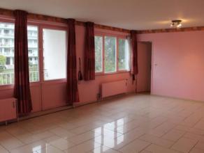 Appartement 3 chambres situé au 1er étage dans la résidence «  Parc de la sablonnière »  Offrant de grandes su