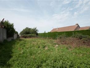 Belle PARCELLE DE TERRAIN située en zone d'habitat à vendre. Possibilité de construction en 4 façades. Contenance: 15 ares