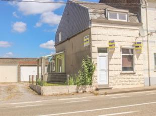 Bonne MAISON D'HABITATION 3F avec garage se composant comme suit: Au rez: vestibule, grand living avec petite véranda latérale, kitchene