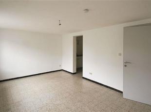 Spacieux STUDIO se composant comme suit : Hall d'entrée avec WC séparé, pièce de séjour, cuisine meublée (&e