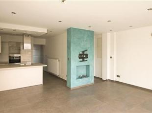 Magnifique APPARTEMENT se composant comme suit : Sas d'entrée avec vestiaire, pièce de séjour, cuisine entièrement &eacute