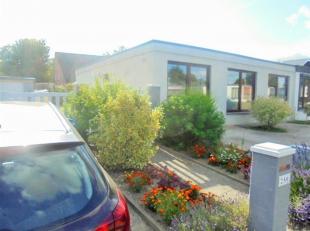 Belle maison d'habitation 3 façades entièrement rénovée comprenant pièce de séjour, cuisine équip&eac