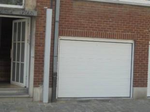 Garage de 23,29m² plein centre de Mons - porte sectionnelle neuve - prix 40.000euro