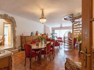 Superbe appartement très spacieux avec possibilité de faire un cabinet pour une profession libérale au rez-de-chaussée!Com