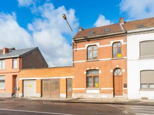Cette jolie maison de maître est idéalement située à proximité du centre ville de Mons, des grands axes autoroutiers