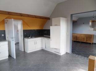 Spacieux appartement au 1er ÃÂtage d'un immeuble de 2 entitÃÂs à moins de 5 min des axes autoroutiers (E42 Tournai-Mo