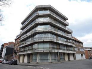 Bel appartement récemment rénové, situé  en périphérie de Tournai au quatrième étages avec asc