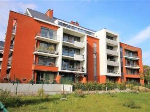 Magnifique appartement de 119m² situé au centre de Templeuve et à 5 min de la frontière  française.<br /> Dans une r&