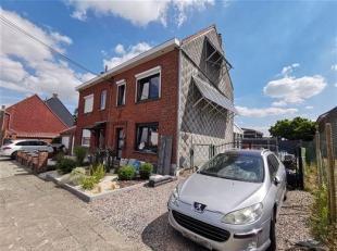 Jolie maison avec 3 chambres, jardin, parking et véranda<br />  Rez-de-chaussée :<br />  Hall d'entrée desservant un beau s&eacut