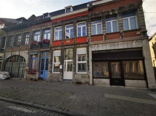 Belle maison de 3  chambres au centre-ville de Tournai<br />  Composition: Grand living ouvert avec salon, salle à manger, cuisine équip
