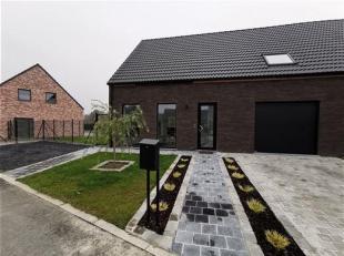 Dans un nouveau lotissement à 5 minutes du centre ville de Tournai, Nouvelle construction avec de très belles finitions.<br />  Au rez d