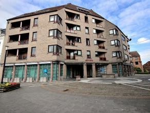 Située sur un point stratégique de la ville de Mouscron, au centre-ville, cette cellule commerciale de plus de 300m² vous ravira pa