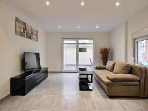 Superbe rénovation de qualité pour cette habitation située proche de centre-ville et du Parc Communal avec garage, se composant c