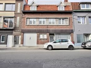 Ensemble immobilier comprenant une maison d'habitation d'environ 200m² habitable et un entrepôt/atelier d'environ 70m²: - Un bureau of