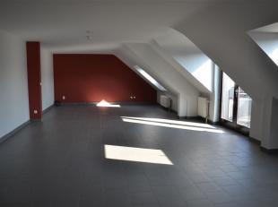 Magnifique appartement d'une résidence très agréable avec garage Situé au 2iéme étage, il s'étend sur