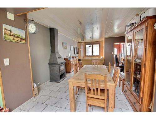 Maison à vendre à Estaimpuis, € 175.000