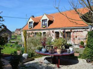 OSTICHES - Fermette restaurée 3 chambres dans une rue campagnarde au calme.  Vue superbe sur l'arrière (47a 25ca), magnifique jardin !!!