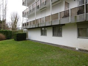 A+/- 700 mètres de la Grand'Place et 1,5 Km de la Gare, Appartement 2 chambres au rez-de-chaussée avec véranda et petit jardin pr