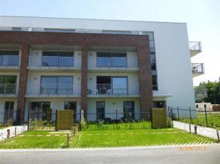 Superbe appartement au rez-de-chaussée, à l'entrée de la ville. Ensoleillement toute la journée, jardin et terrasse &agrav
