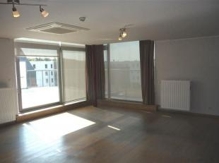 Magnifique appartement au 3 ième étage , 3 chambres super équipé avec 50 m² de terrasse. PEB B (147 kWh/m².an) -