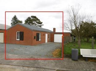 Proche de toutes les commodités, charmante petite maison de plain-pied 2 chambres. PEB D 318kWh/m².an - 20171012021386<br /> Description :
