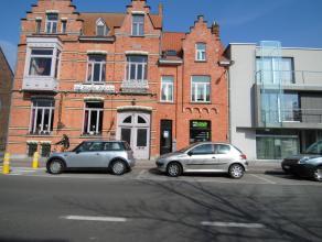 Gezellig en ruim duplex-appartement in het hartje van Sint-Andries  Brugge. Deze duplex omvat een ruime inkomhal, 2 slaapkamers, een volledig ingerich