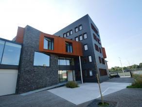 Schitterend gelegen kantoren (tot. opp: 238 m²) gesitueerd op de stadsrand met zicht op Brugge en het Groot Handelsdok.<br /> <br /> Omvat: Ontha