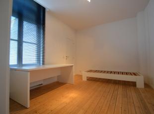 """""""Casa cum laude"""" : Kamer 5<br /> <br /> Deze studentenkamer geniet een luxueuze afwerking en beschikt over alle comfort. Elke kamer(18m²) heeft e"""