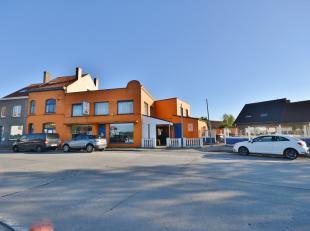 Goed gelegen handelszaak met  grond op een oppervlakte van 510m²<br /> Huidige uitbating: restaurant met feestzalen, <br /> Pand is vrij vanaf ak
