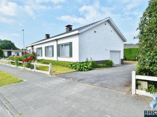 Deze villa is rustig gelegen in een kindvriendelijke buurt.<br /> Zij bestaat uit een inkom met gastentoilet, ruime woonkamer, afzonderlijk ingerichte