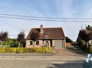 Verzorgde villa met 4 slaapkamers op mooi perceel van 534 m² op een rustige ligging met vlotte verbinding naar centrum Torhout en afrit E403!<br