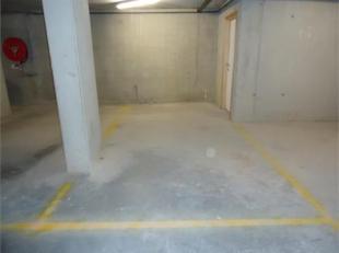 Garage à louer                     à 8211 Aartrijke