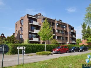 Prachtig gelegen duplex appartement (270m²) in rustige buurt en op wandelafstand van Brugge Centrum met zicht op de bootjes.<br /> Het appartemen