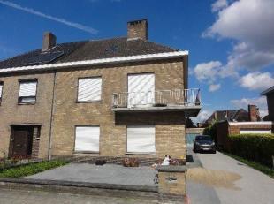 Ruime autostandplaats in Sint-Andries