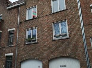 "res. ""Speelmansrei"" - rechtse garage (kant Speelmansrei) - breedte : 3m32 - diepte : 5m75 - hoogte : 3m62 (inrijhoogte : 2m62) * afgesloten met automa"