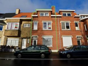 Deze statige woning is gelegen in het centrum van Assebroek met in de directe omgeving scholen, winkels, openbaar vervoer,... en bevindt zich op wande