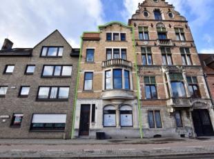 Mogelijkheid tot aankoop meerdere garages! Op wandelafstand van het historisch centrum van Brugge, in een commercile straat waar supermarkten, winkel