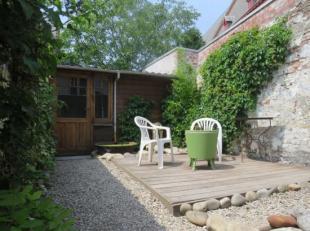 Welkom in deze gezellige authentieke woning doch voorzien van modern comfort. De woning werd dit voorjaar voorzien van een nieuwe badkamer en keuken e