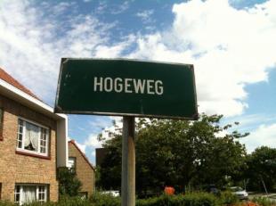Standaard garagebox gelegen op toplocatie, dichtbij het centrum, invalswegen en de Expresweg.