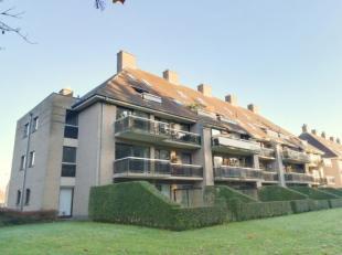 """residentie """"Kloosterhof"""" Goed gelegen dakappartement met 2 slaapkamers, 2 terrassen, fietsenberging en garagebox (inbegrepen in de prijs). Rustig gele"""
