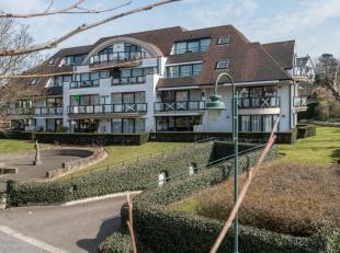 Deze ruime en zonnige penthouse is gelegen in het hart van de Dumontwijk. Naast een rustgevend uitzicht over de Dumontwijk, beschikt het appartement o