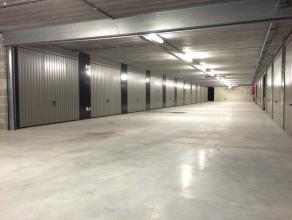 Deze garageboxen (17-18m²) zijn te koop in het nieuwbouwproject 'Dulle Griet Garden', dat centraal gelegen is tussen de Vrijdagmarkt, Langemunt e
