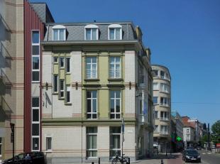 Dit kantoor geniet van een uitstekende ligging. Het is gelegen op wandelafstand van het station Gent-Sint-Pieters en er is een tramhalte voor de deur.