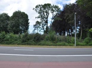 Prachtig stuk bouwgrond 997m², vrij van alle bouwverplichting. <br /> <br /> Het stuk is gelegen op bereikbare afstand richting E40, Stad Brugge,