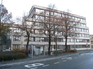 De kantoorunits maken deel uit van het Groeninghe-complex en ligt in een groene en rustige omgeving aan de rand van Gent, vlakbij het UZ. <br /> <br /
