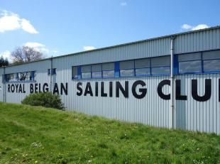 Deze kantoren zijn gelegen in het midden van het havengebied aan de Langerbrugge. Ze hebben zicht op het water waardoor men kan genieten van een zeer